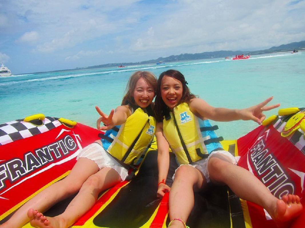 マリンスポーツパック 天然ビーチで楽しむバナナボード・ハーフパイプ・マリンジェット 5歳から参加OK!<美ら海水族館まで約15分/本部町>by X-TRIP