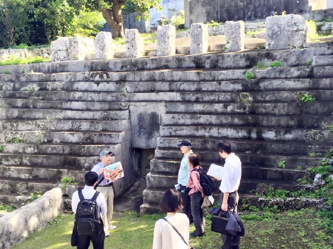 平良まち歩きツアー 宮古島統一の歴史物語を楽しむ<宮古島>