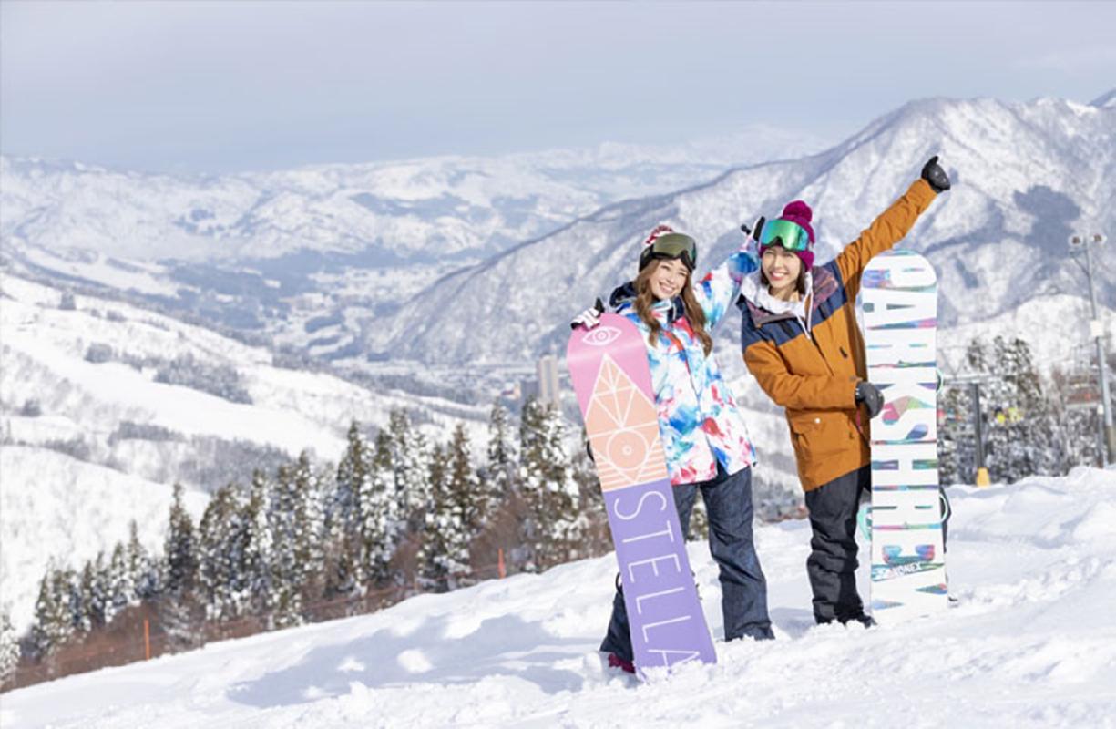 スキー・スノーボード日帰りバスツアー 神立スノーリゾート<12〜1月/乗り放題リフト券付/新宿発>